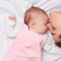 Comment prendre soin de son bébé à 1 mois