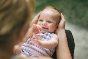 A quoi s'attendre aux deux mois de son bébé